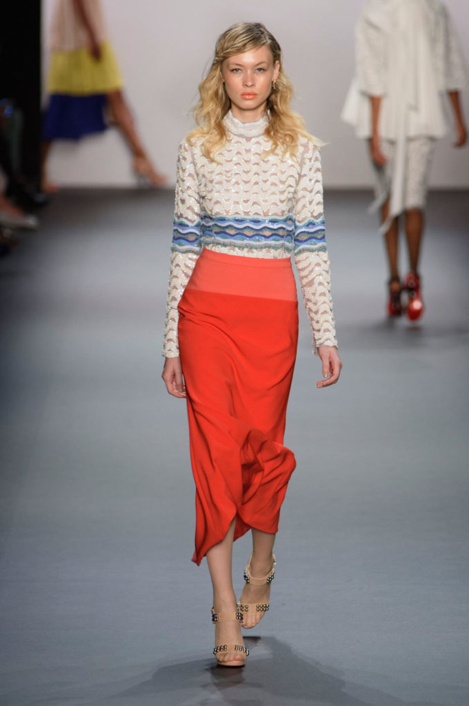 юбка-миди красного цвета