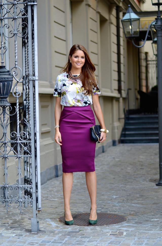 юбка прямая фиолетовая по колено