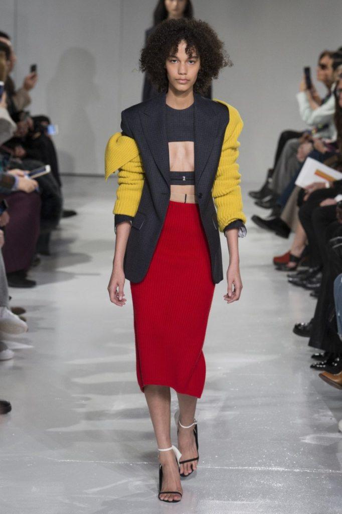 узкая юбка красная по колено