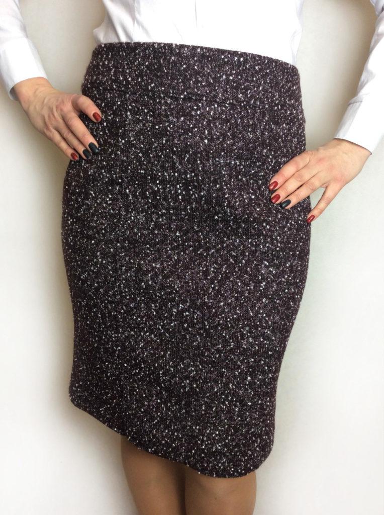 узкая юбка черная в блестки