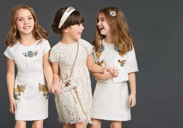 короткие белые платья на детском показе мод 2019-2020