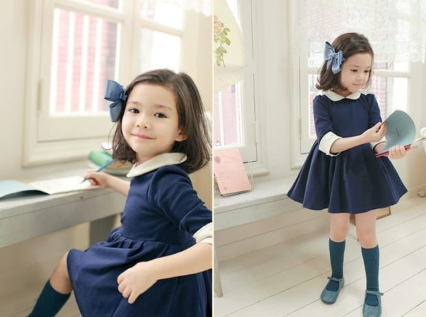 детская мода 2018-2019 для девочек - синее платье с белым воротничком