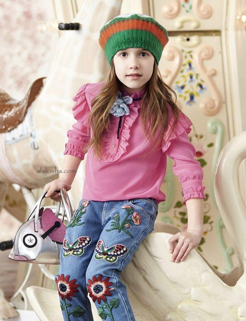 детская мода 2018-2019 для девочек - джинсы с нашивками