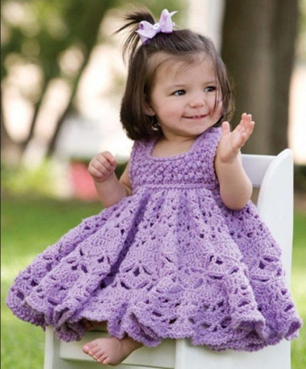 детская мода - платье вязаное цвет лаванды для девочек