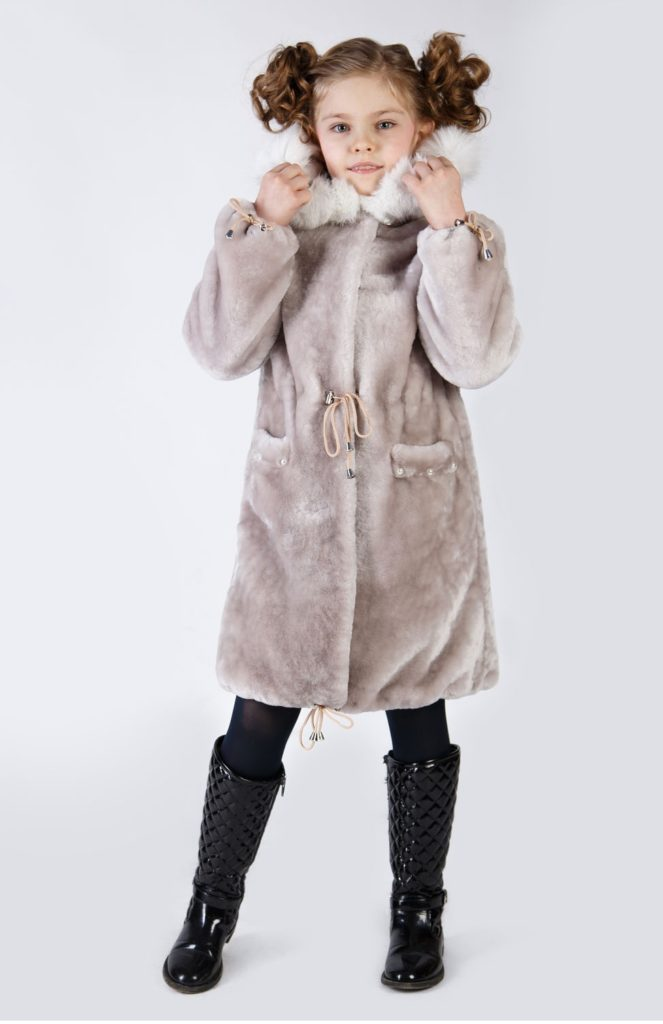 детская мода - серая шуба удлиненная