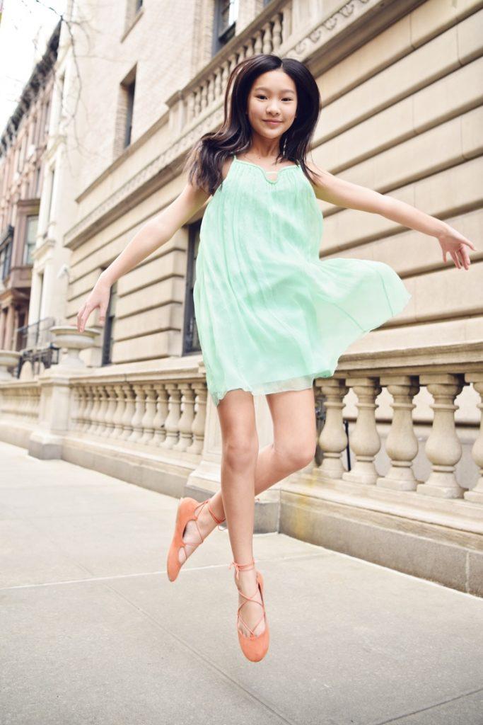 детская мода 2019-2020 - легкое шифоновое салатовое платье
