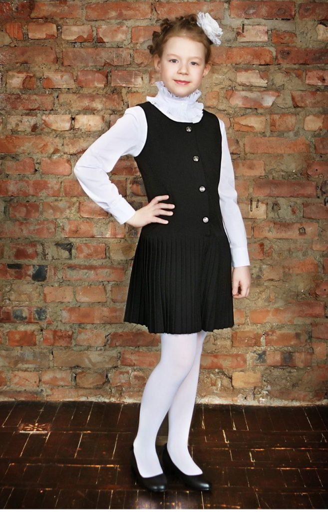 детская мода - черный сарафан под белую блузку
