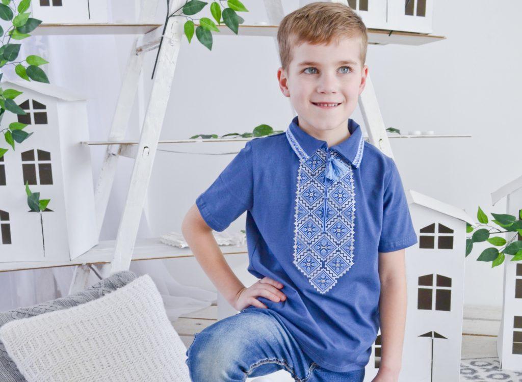 детская мода - синяя футболка с принтом для мальчиков