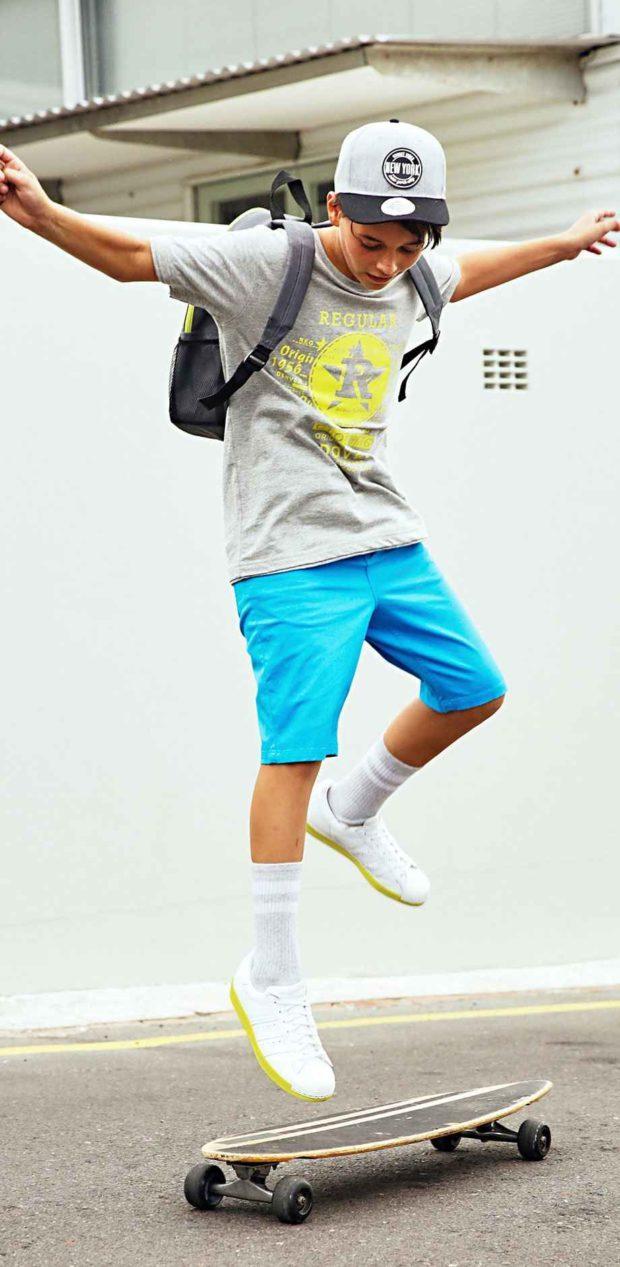 голубые шорты по колено для мальчиков