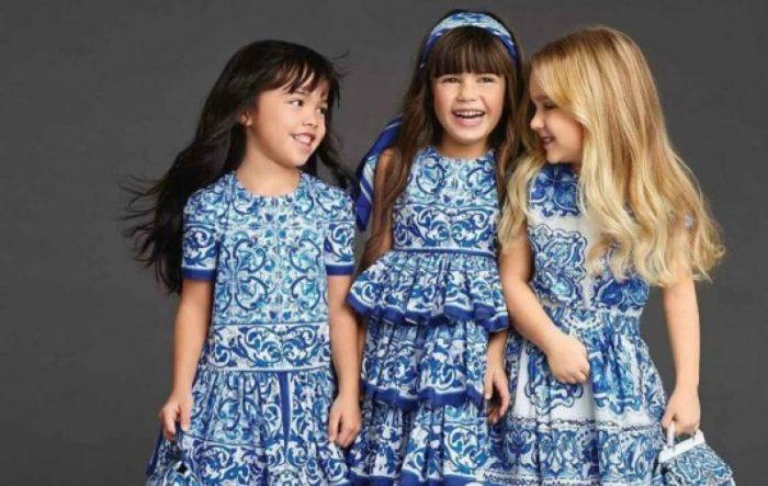 платья белые в голубые узоры детская мода лето 2018