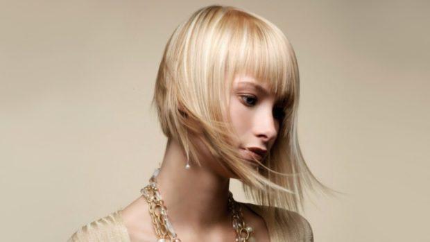 женская стрижка: рваная на ровные волосы с ровной челкой