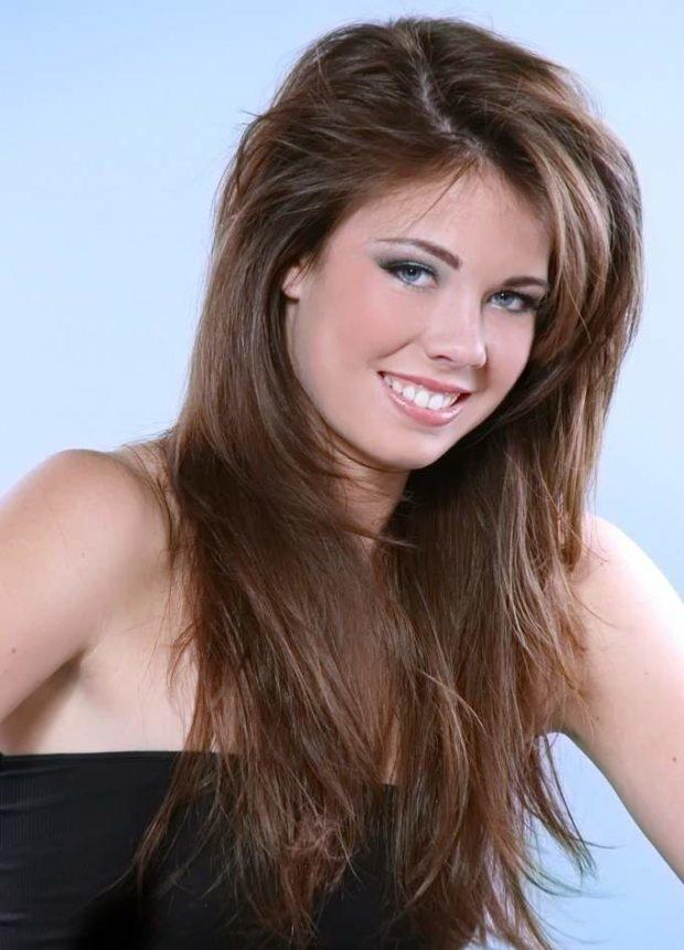 женские стрижки: каскад на длинные волосы без челки