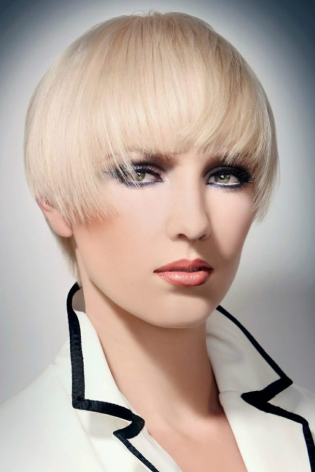 женские стрижки: шапочка на короткие волосы с удлиненными прядями