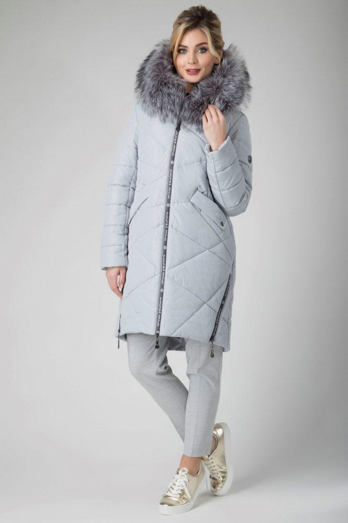 Мода в женской одежде- пуховик серый с мехом