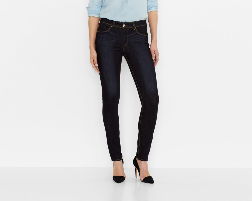 темные джинсы классика