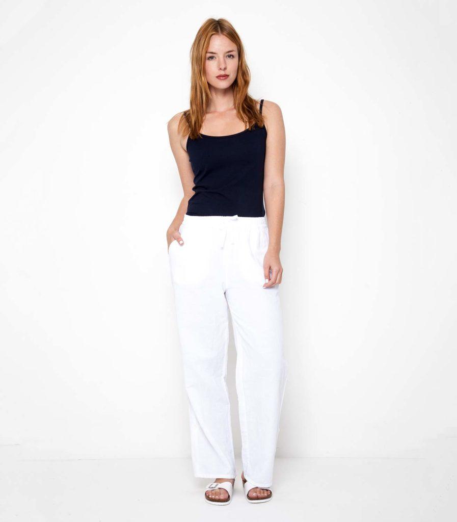 белые брюки широкие