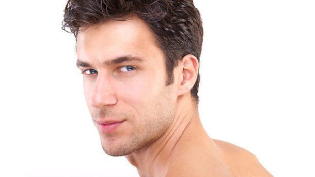 мужские стрижки: классическая на волнистые волосы