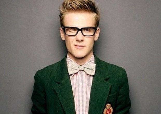 мужские стрижки: британка с приподнятой макушкой