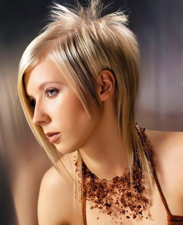модная стрижка: гаврош с косой челкой
