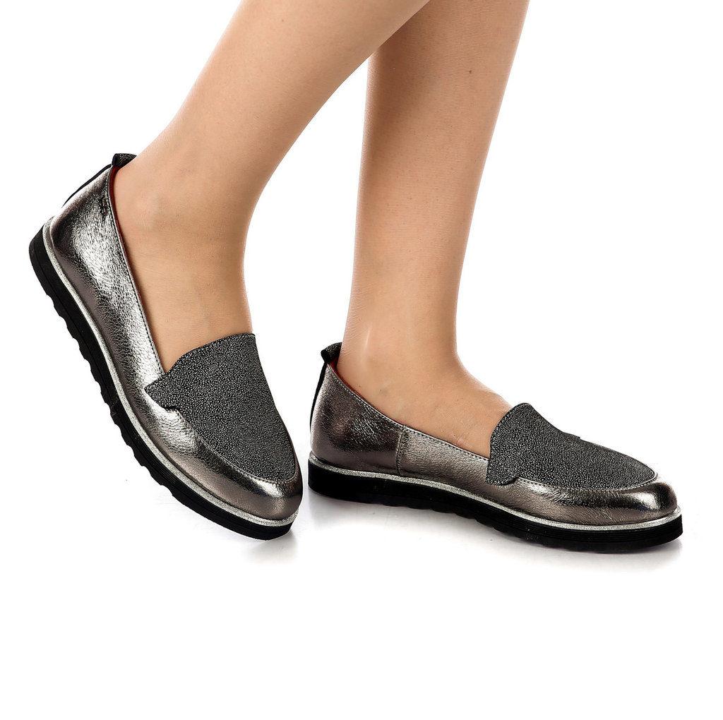 туфли серебристые на черной подошве