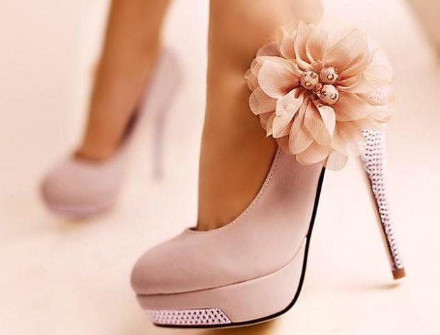 туфли весна лето: на высоком каблуке бежевые с цветком