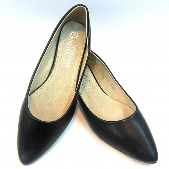 туфли на низком каблуке черные