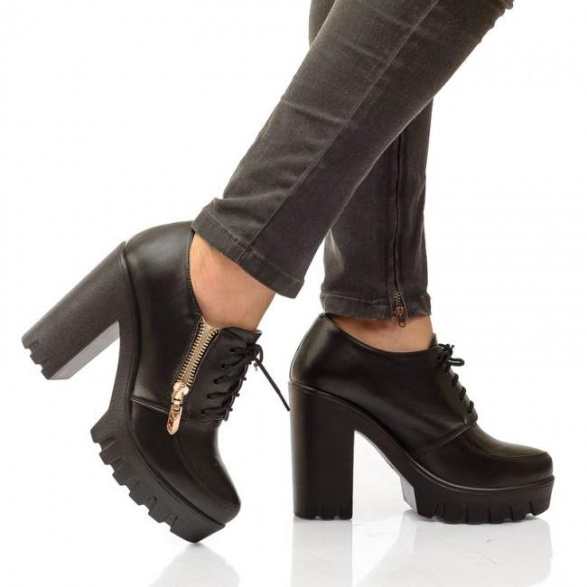 черные туфли на тракторной подошве