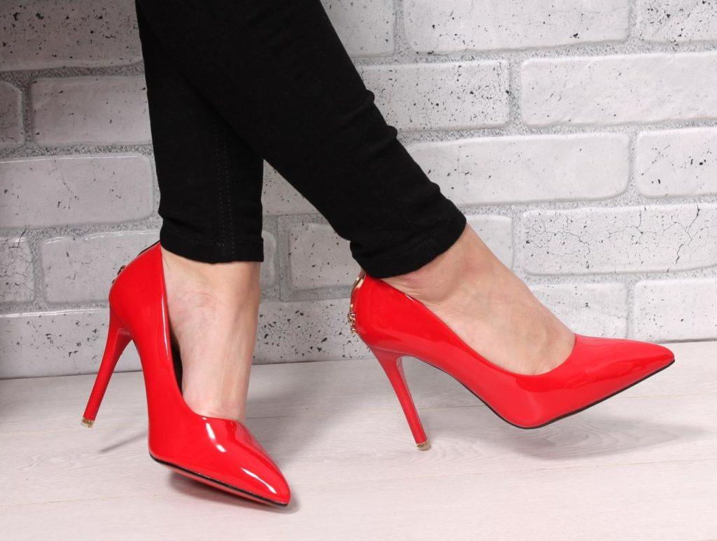 туфли лодочки красные лаковые