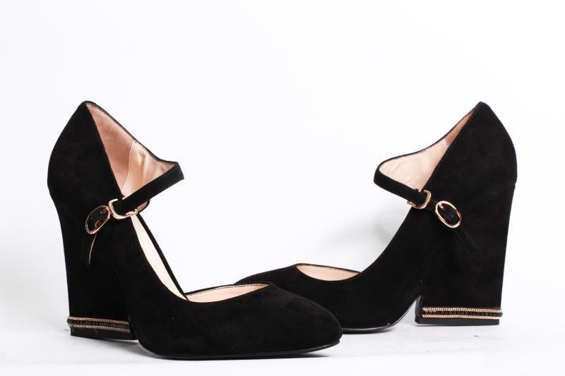 туфли замшевые с застежкой на каблуке