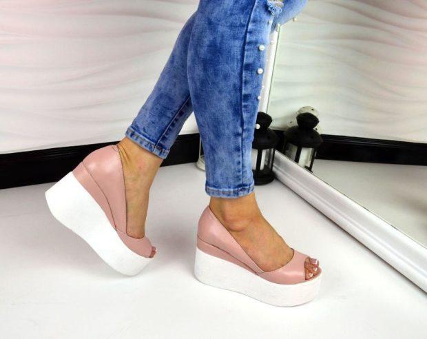 женские туфли кожаные на толстой белой подошве пудровый цвет