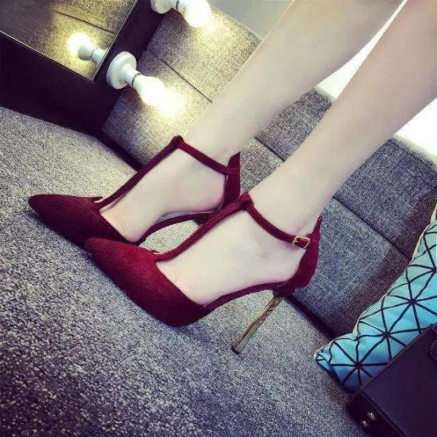 туфли с застежкой бордовые с острым носком