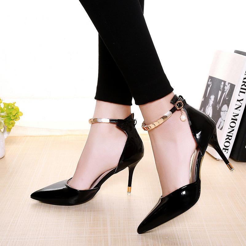 туфли с открытыми боками лаковые лодочки