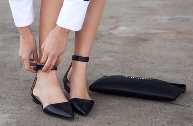 туфли с открытыми боками черные на низком ходу