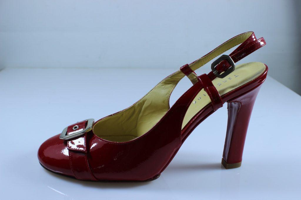 туфли с открытой пяткой красные лаковые